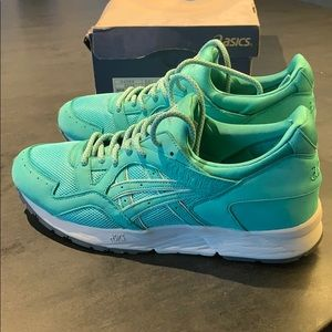 🔥🔥💣💣 Mint condition authentic Gel-Lyte V ASICS